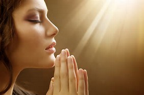 praying-woman